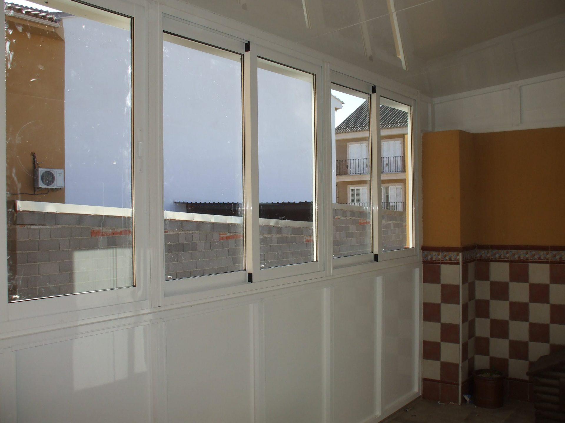Cerramiento y ventanas realizadas por Finestral