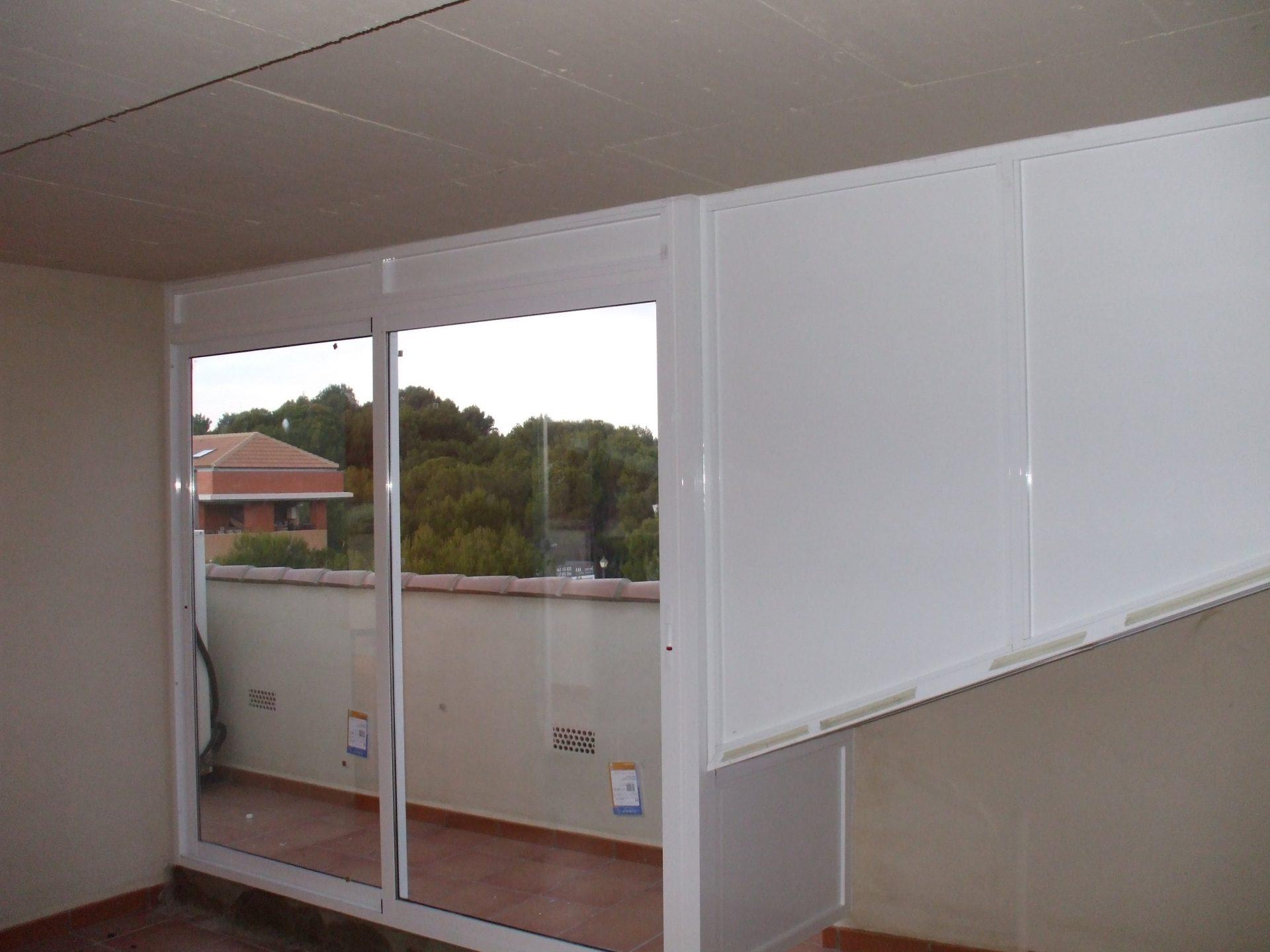 Paneles y baconeras realizadas por Finestral