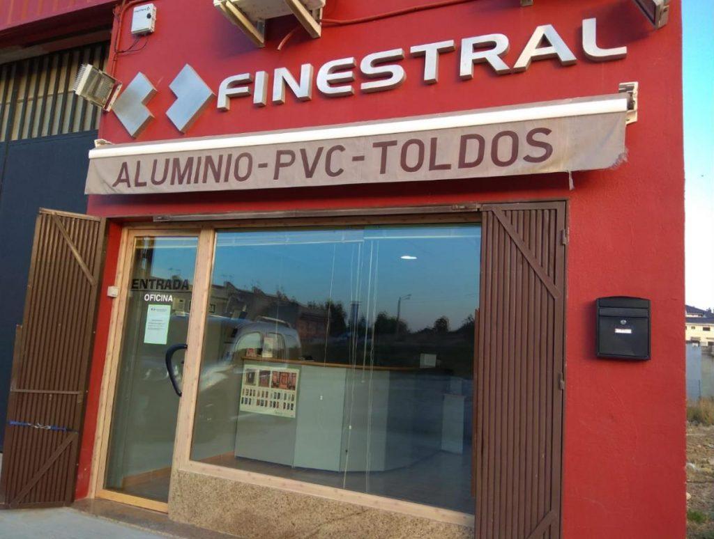 Tienda y exposición Finestral
