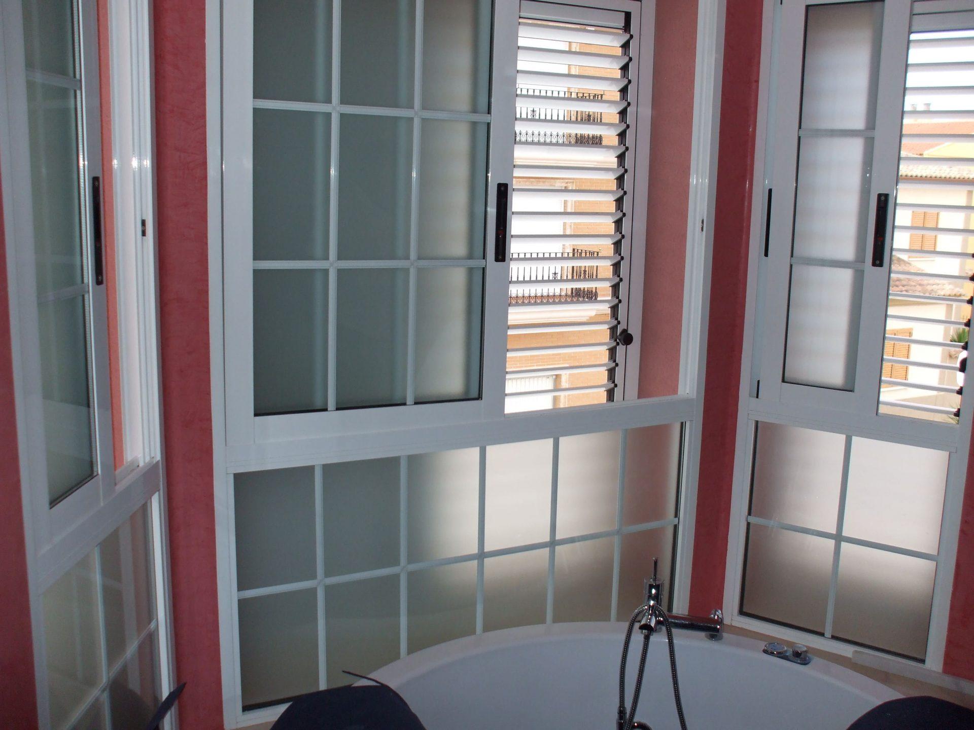 Mallorquinas y ventanas realizadas por finestral